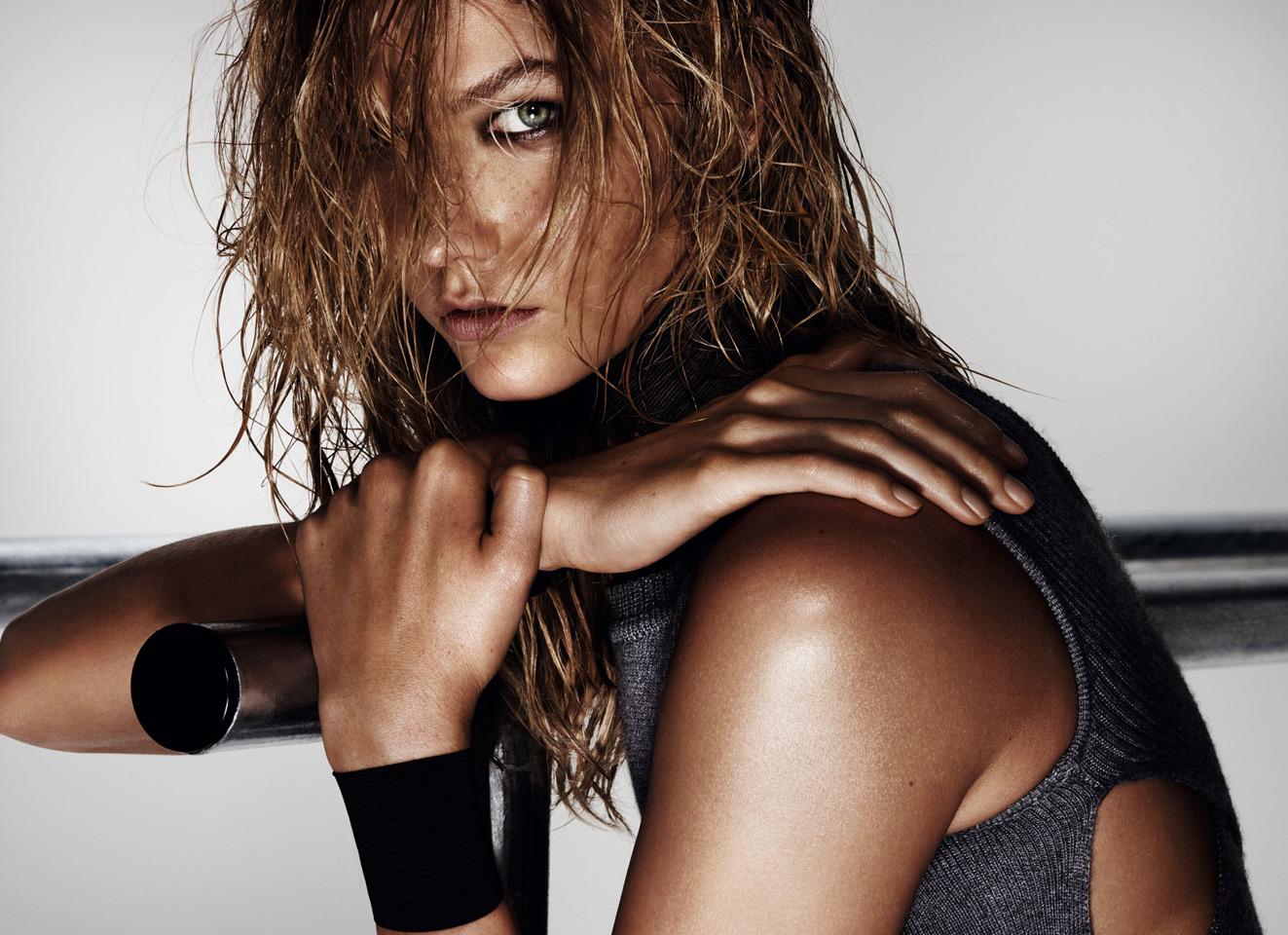 Супермодель Карли Клосс в фотосессии для Vogue (10 фото)