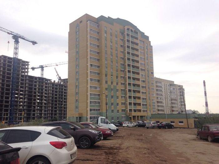 В Казани боец спецназа налету поймал девочку, упавшую с 6-го этажа