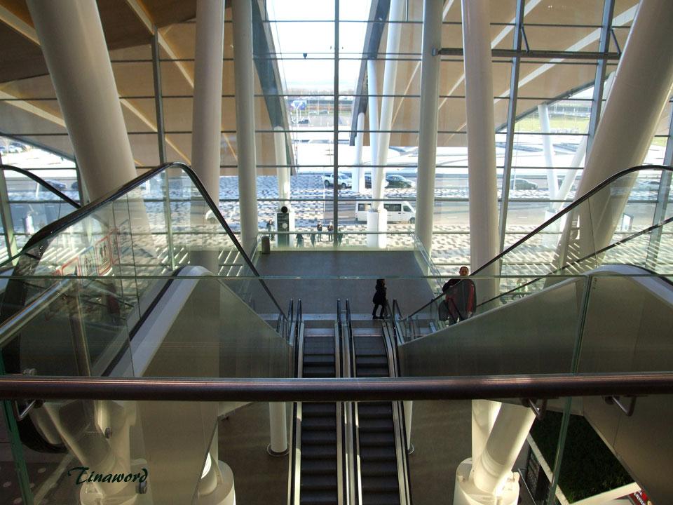Платов-эскалатор-1.jpg