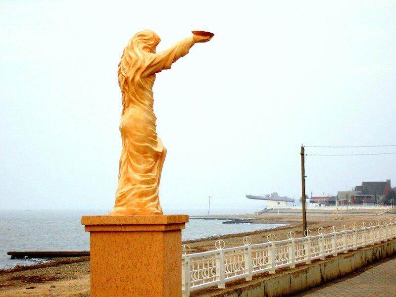 Статуя, у моря, в декабре ... DSCN2760.JPG