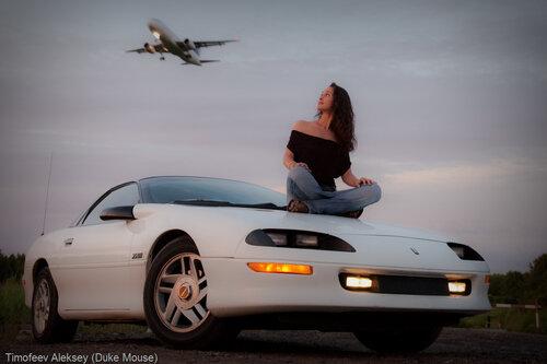 Девушка, фотосессия с авто. спортивная машина.