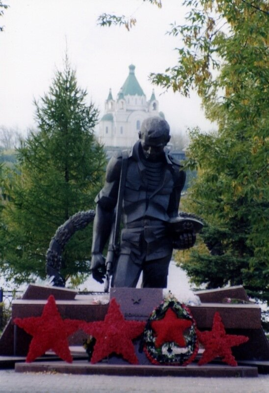 Нижний Тагил. Храм и воин. Памятник погибшим в локальных войнах