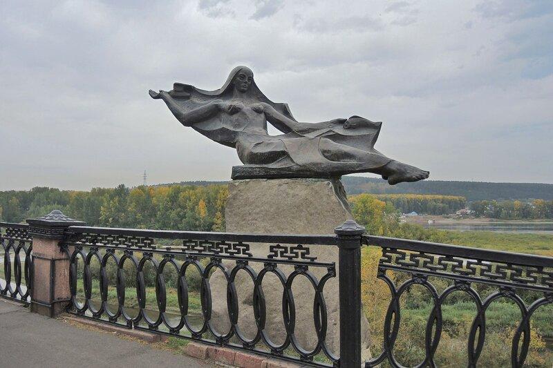 Памятник реке Томь