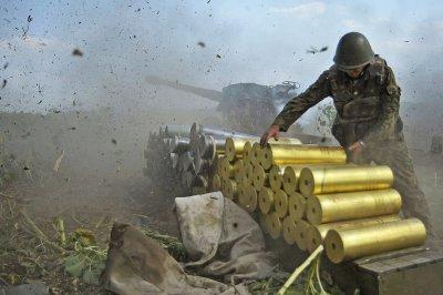 Боевики из Горловки начали массированный обстрел Авдеевки Дзержинска и Шумов