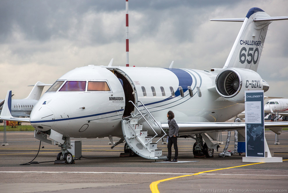 34. Салон самолета Bombardier Challenger 650 — обновленной версии популярного у российских клиентов
