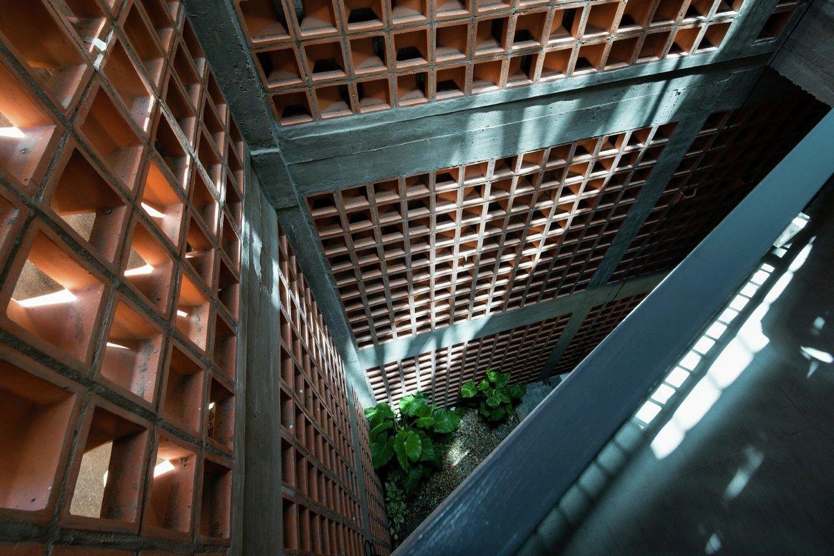 G+ Architects, 5-этажный частный дом, пятиэтажный частный дом, необычный фасад дома, дом со свободной планировкой, Chi House