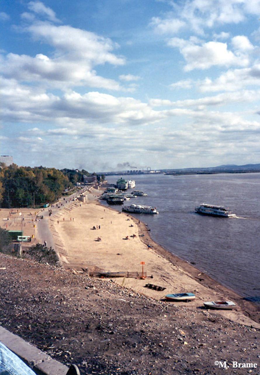 Пляж на реке Амур