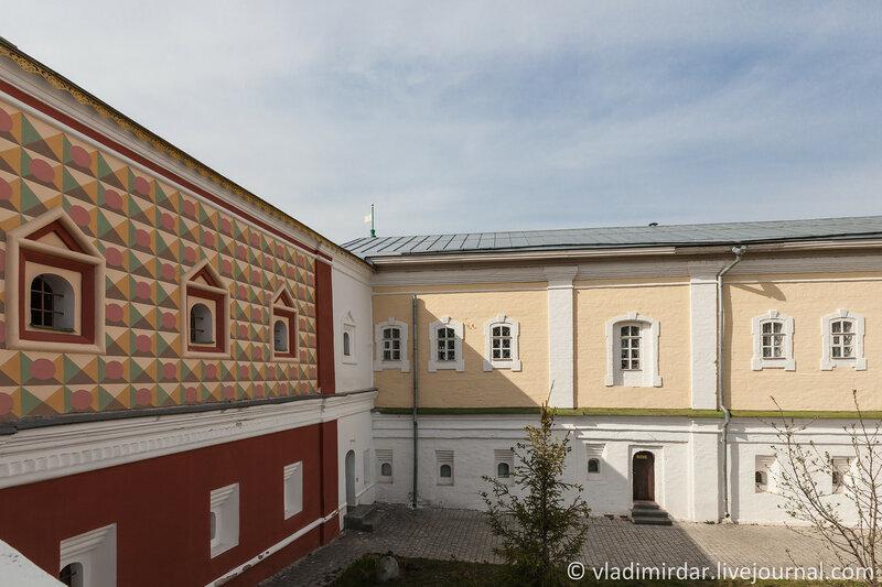 Палаты бояр Романовых и Братский корпус. Ипатьевский монастырь. Кострома.