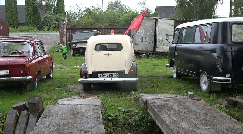 Музей ретро-автомобилей в деревне Тешевицы Псковской области