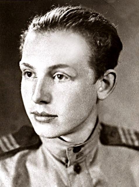 Сержант. 1945 Ин. Смоктуновский.jpg