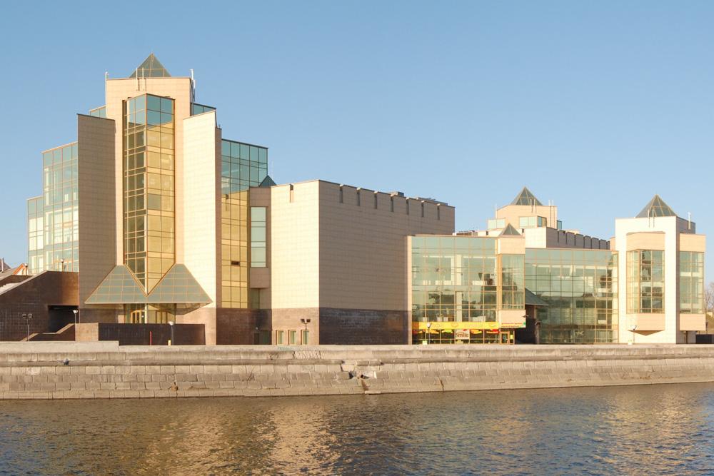 Начнем с прославленного ситкомами города-миллионника Челябинска, в котором организован успешный и кр