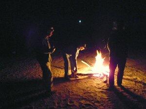 У костра, огня, и тепла ... DSCN0824.JPG