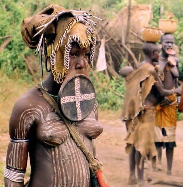 Страшные девушки из племён