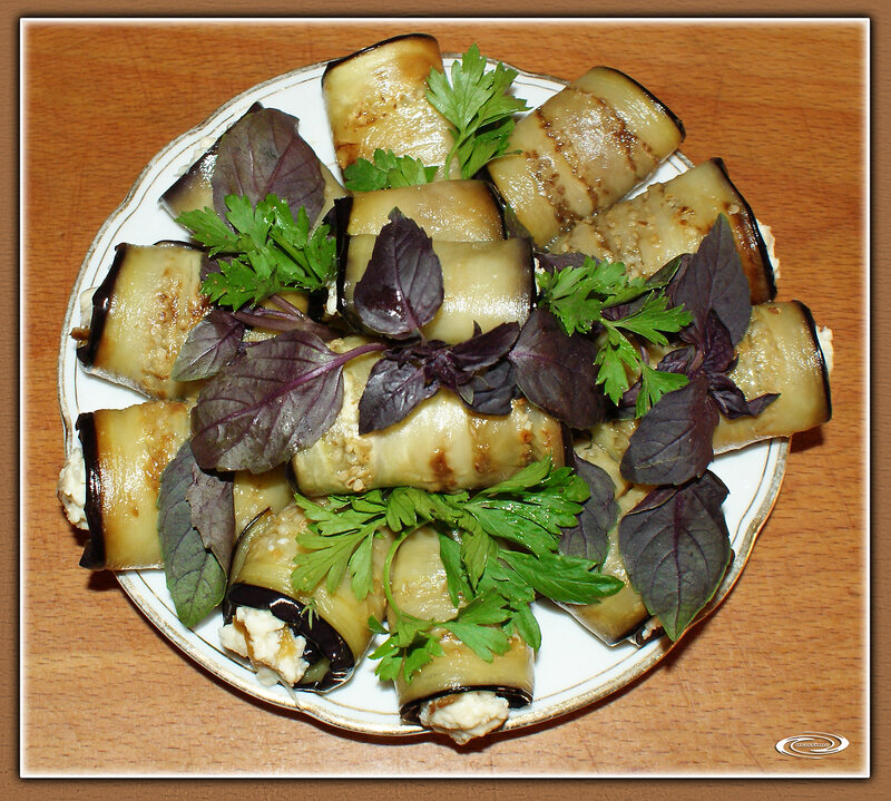 Рулетики из баклажанов с плавленым сыром