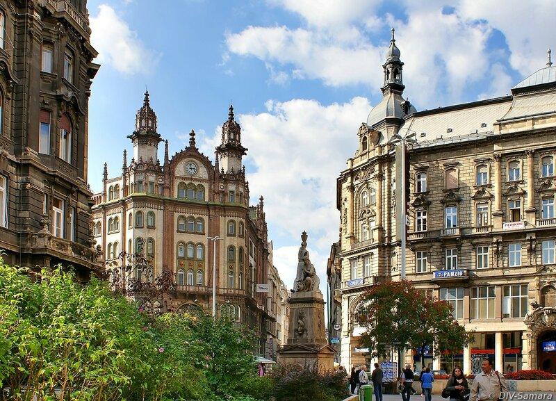 Площадь Ференчик (площадь Францисканцев) в Будапеште