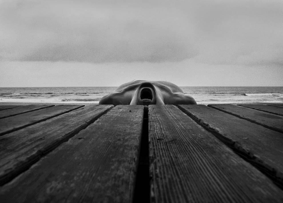 Neobychnye-avtoportrety-Arno-Minkkinena-16-foto