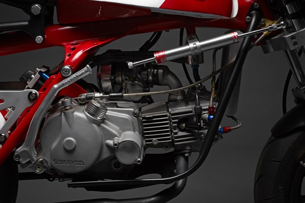 Кастом 50 Magnum на базе Honda Z50A Monkey