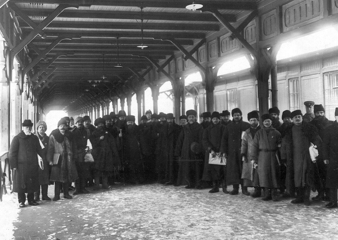 Группа депутатов Третьей Государственной думы, принятых императором Николаем II в Царском Селе, на вокзале. 13 февраля 1908