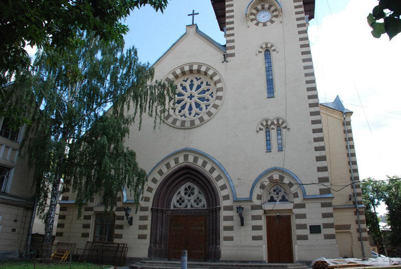 Картинки по запросу 4. Собор святых Петра и Павла москва