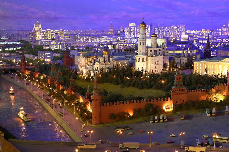 Диорама - макет центра Москвы 1977 года, созданная коллективом художников-макетчиков, состоявшим более чем из 300 человек, под руководством Ефима Дешалыта по заказу МИД СССР