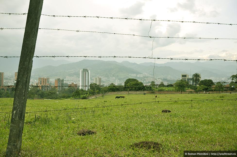 0 14e9e5 fbb4e576 orig День 171. Кладбище, где похоронен колумбийский наркобарон Пабло Эскобар, и его дом в Медельине