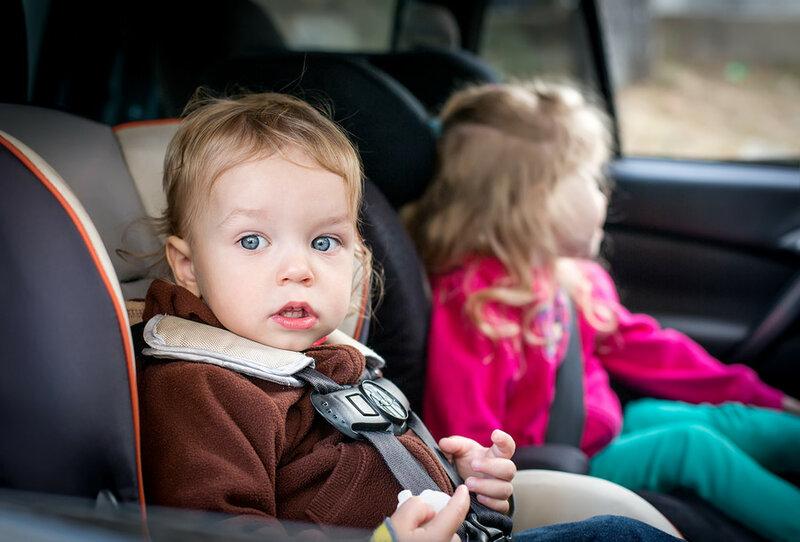 Ребенка укачивает в машине. Что делать   простые способы