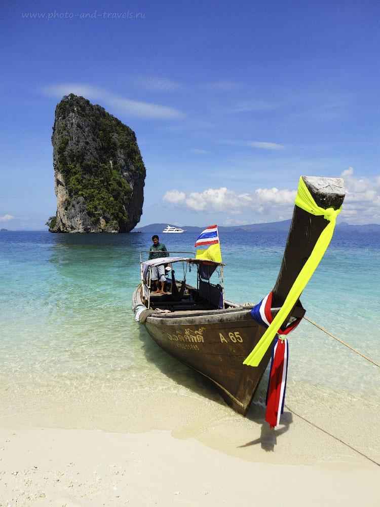 Фотография 4. Отдыхаем на острове Пода (Koh Poda). Скала на заднем плане называется Koh Ma Tang Ming. Отчет о самостоятельной поездке в провинцию Краби в Таиланд.