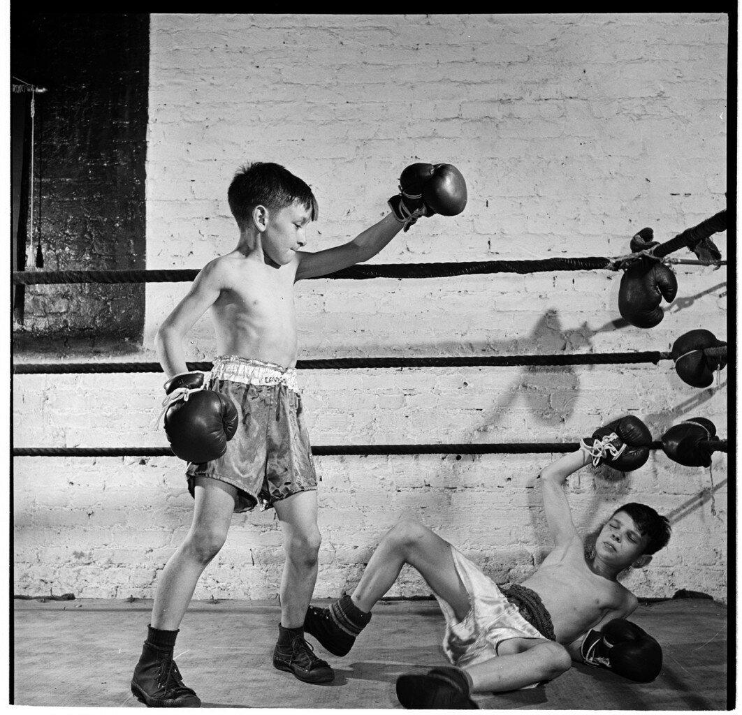 1946. Занятия по боксу в Полицейской атлетической лиге,