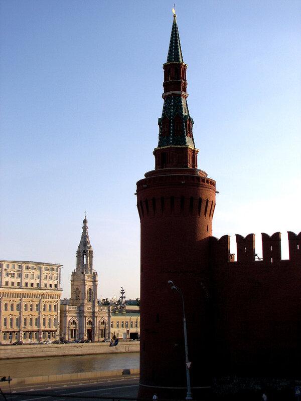 Церковь и башня Кремля