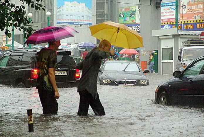 Сильнейший ливень обрушился 21 июля на Иркутск.