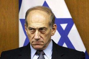 Экс-премьера Израиля приговорили к 8 месяцам тюрьмы