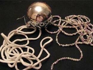 Новогодние шары из шнура и бисера
