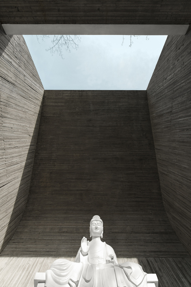Waterside Buddist Shrine by ARCHSTUDIO