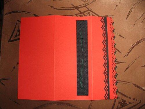 Из открытки сшитая иголками книга