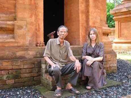Candi Buddha - Bali