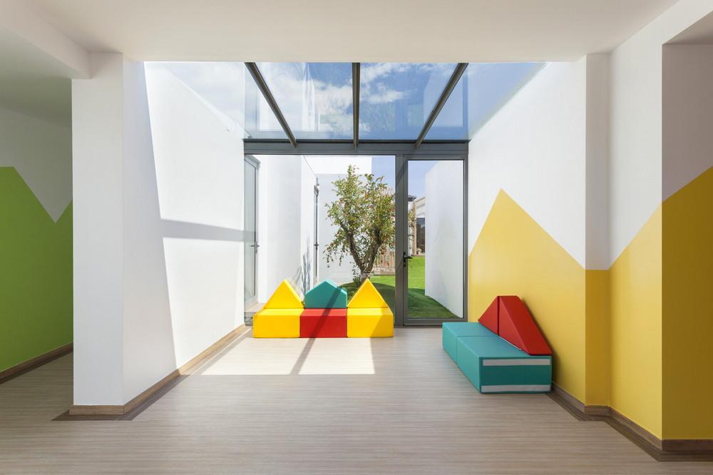 Современный детский сад в Греции