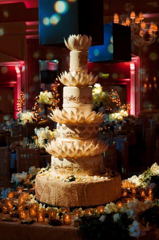0 178333 b810acde XL - Аппетитные свадебные торты сезона 2017