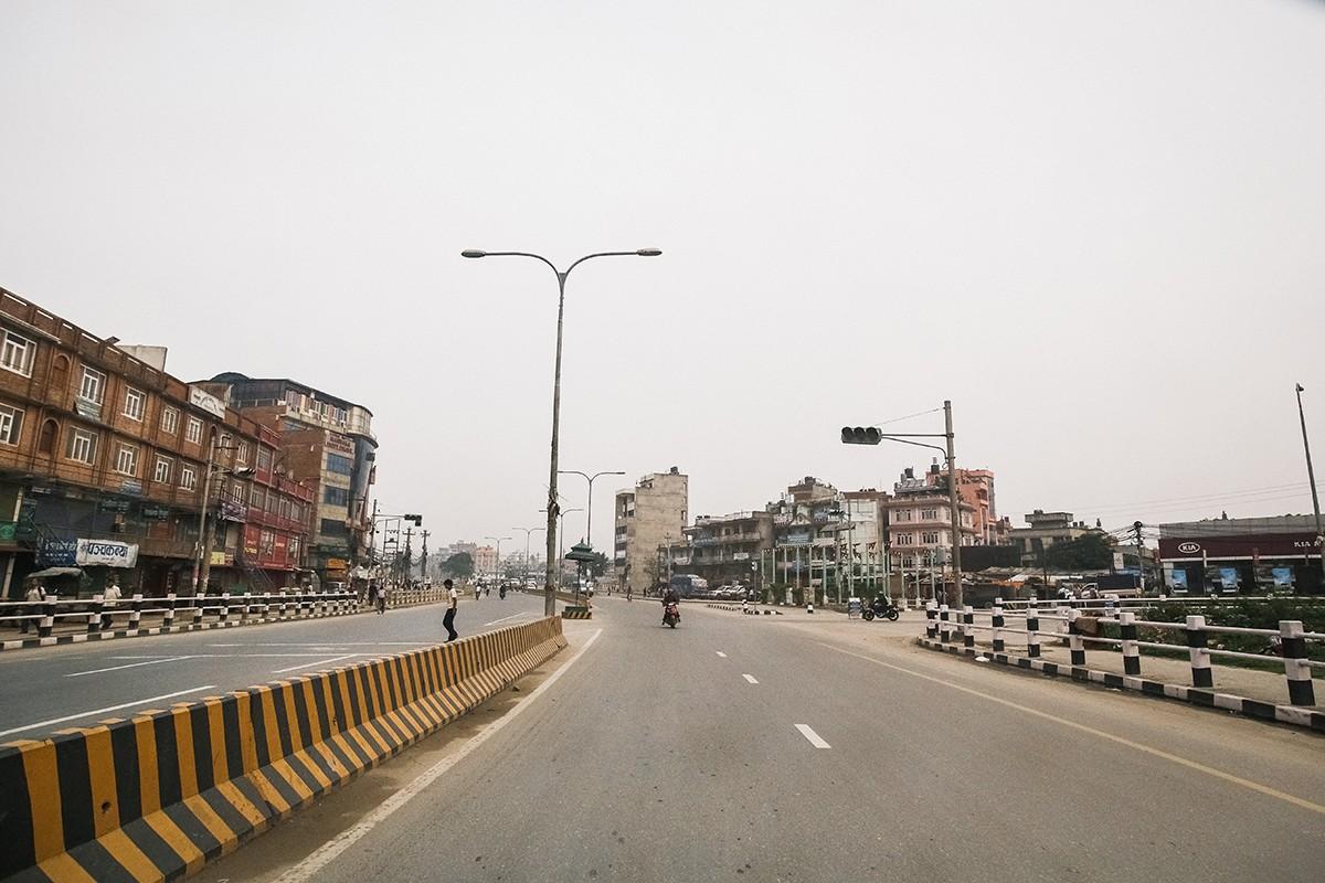 52. Единственная широкая дорога в Катманду.