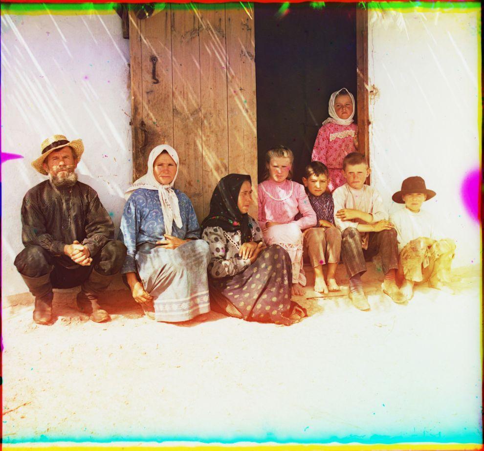 10. Крестьянская семья.