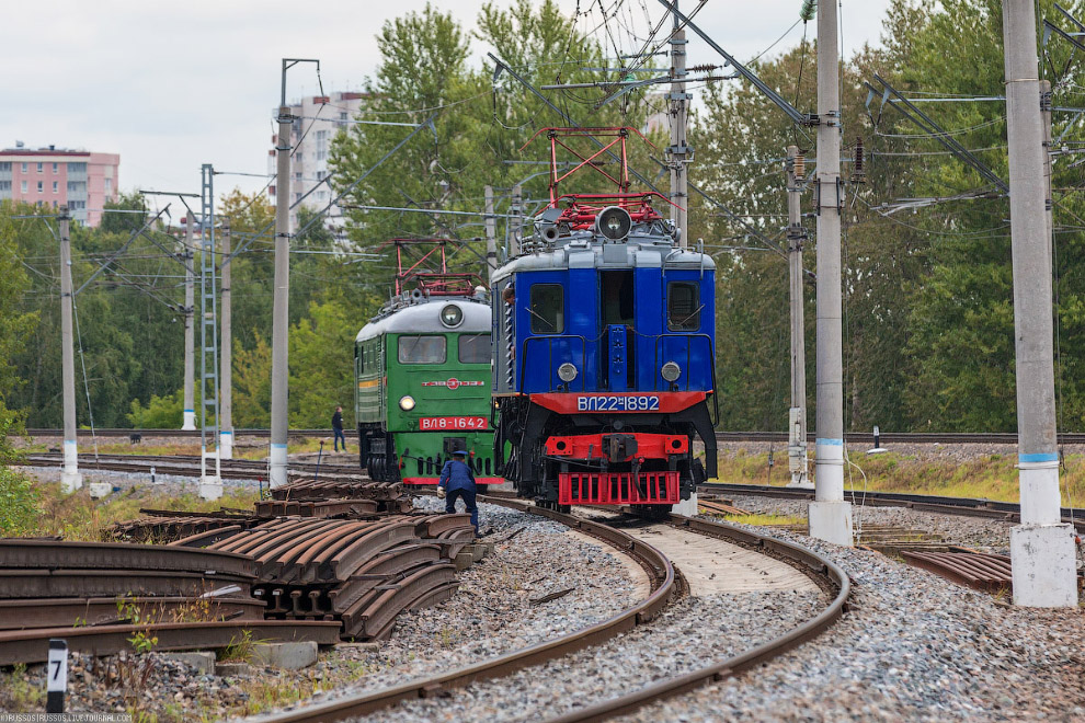 11.  ВЛ60  — первый советский магистральный электровоз переменного тока, запущ