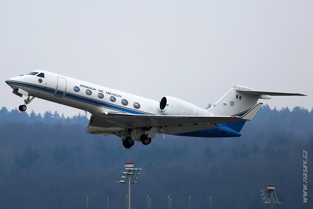 Gulfstream_G450_XC-LMF_Armada_De_Mexico_2_ZRH.JPG