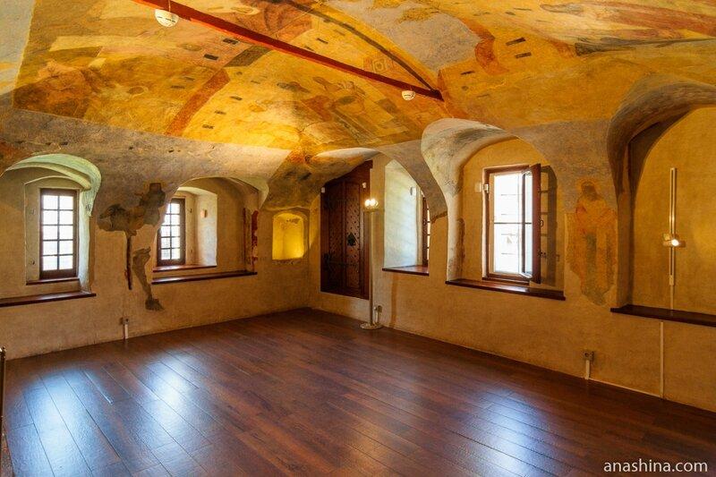 Зал с фресками, Владычная палата, Великий Новгород
