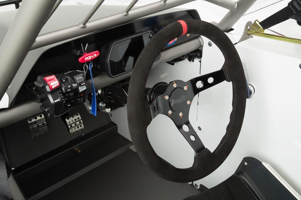 Гоночный болид Yamaha R1DT с мотором Yamaha R1
