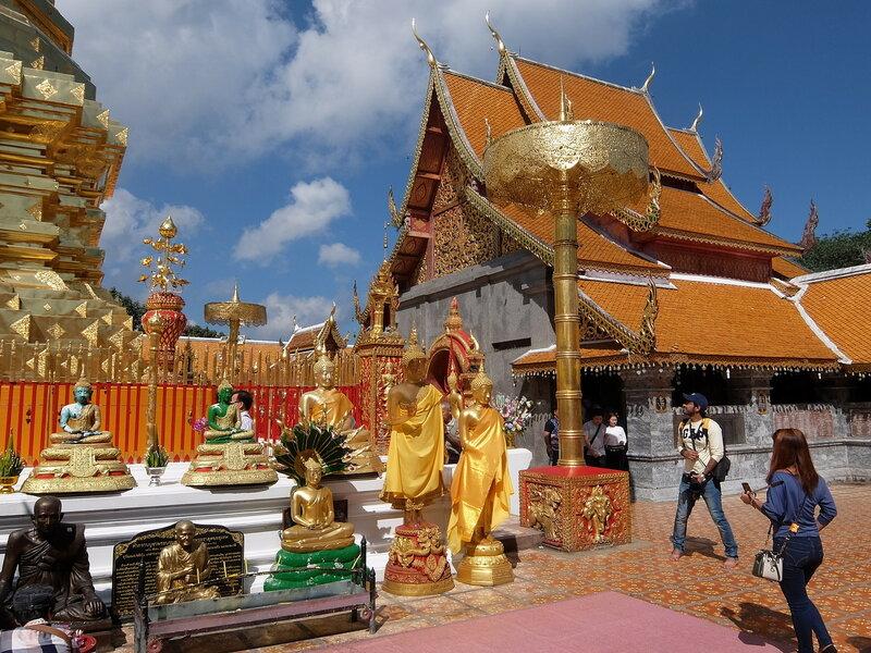 Чиангмай - Дой Сутхеп - На территории храма