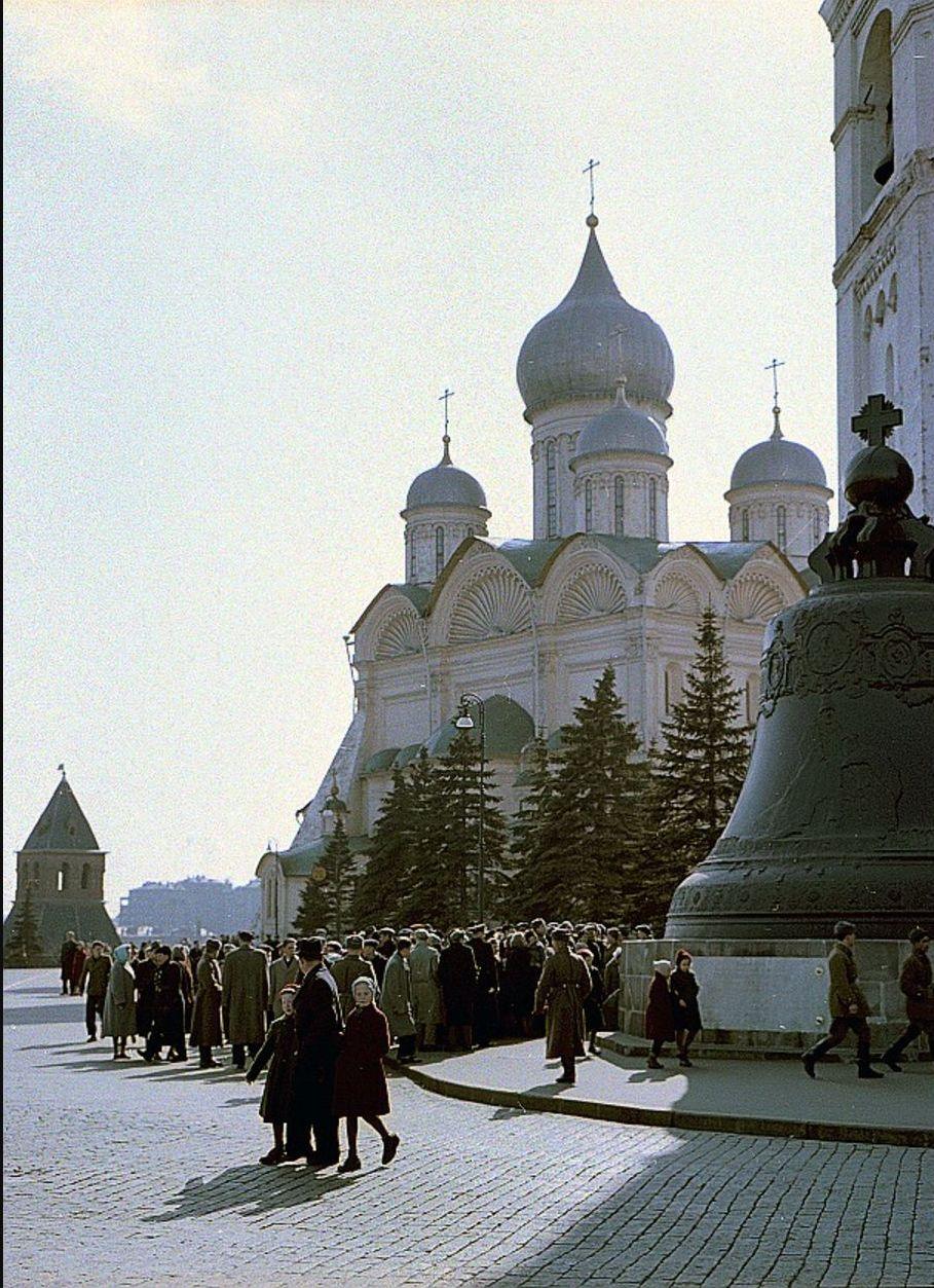 Царь-колокол и Архангельский собор