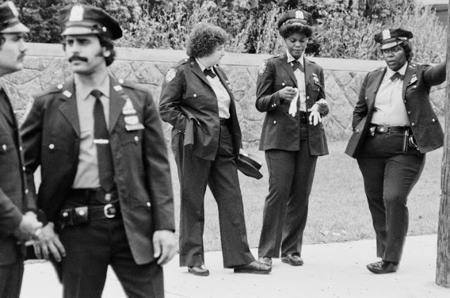 Pictures of Life of the New York Police Department in the 1970's (73).jpg