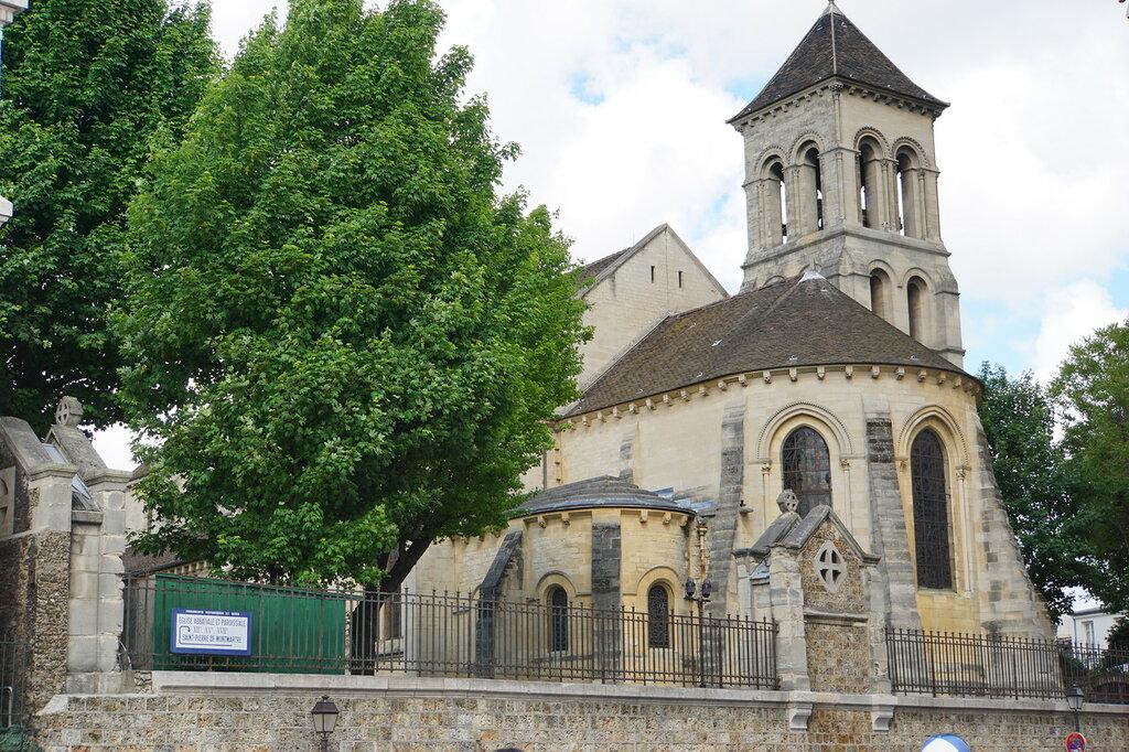 Церковь Сен-Пьер де Монмартр