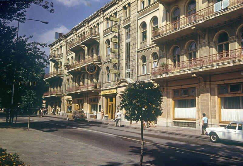 1960-е гостиница Крым.jpg