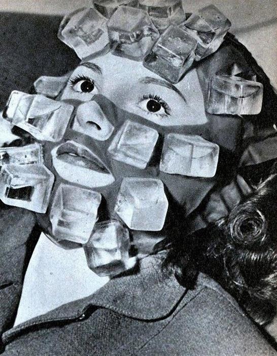 Max Factor изобрел маску, которая была оснащена рядом пластмассовых кубиков, которые можно было