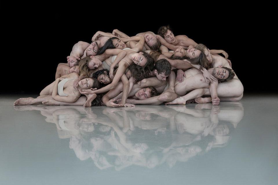 Нир надеется, что его фотопроект поможет создать альтернативную картину мира современных танцев — ту